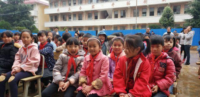 走进新校园 点燃新希望 云南华夏保险第一希望小学竣工仪式成功举办