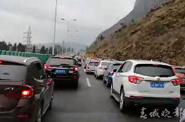 高海高速拥堵严重