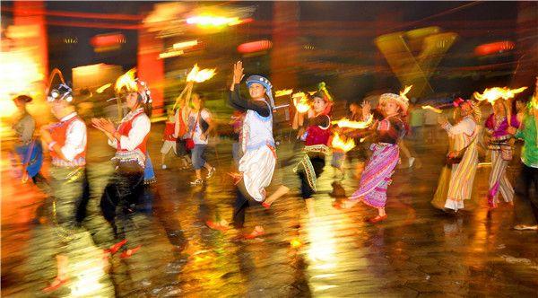 激情火把节盛大开启 14日到云南民族村狂欢